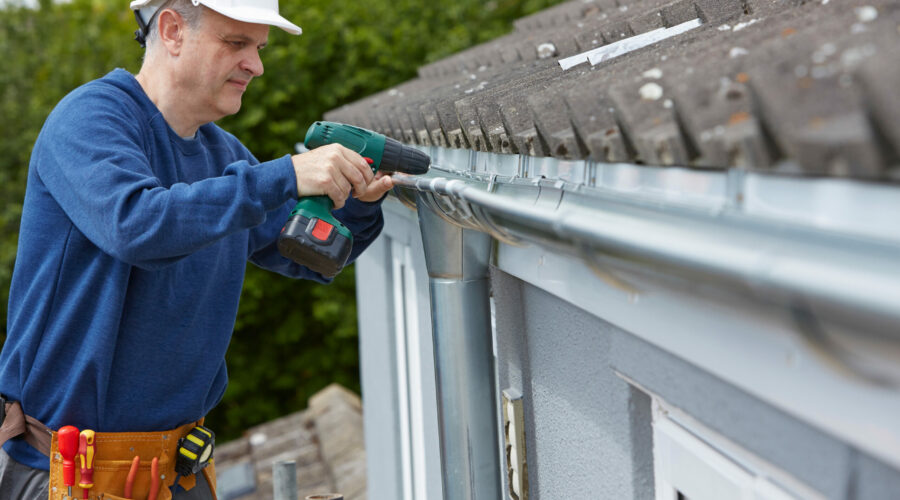 Warm Weather Roofing Maintenance: The 5 Most Common Rain Gutter Repairs